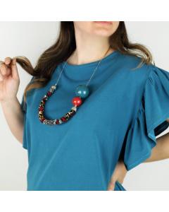 Collana stoffa e sfera blu e rossa ceramica